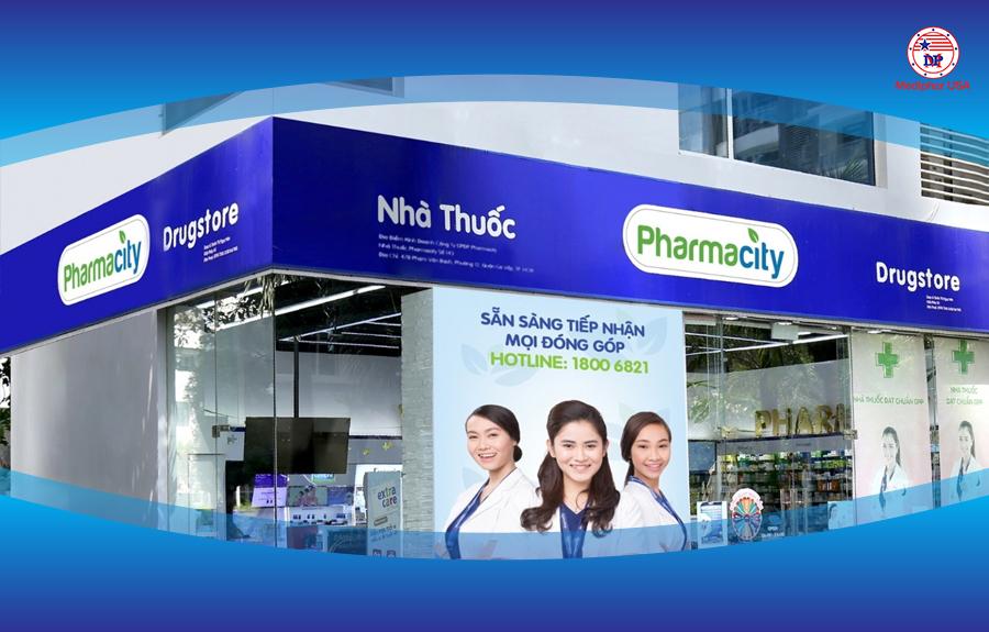 Màu xanh da trời thường là màu chủ đạo của các bảng hiệu nhà thuốc