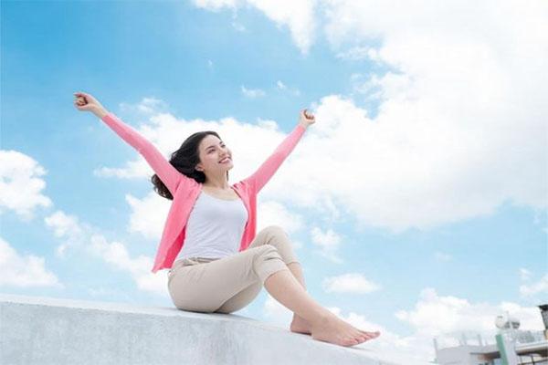 Giữ tinh thần thoải mái góp phần làm giảm triệu chứng của xuất huyết dạ dày